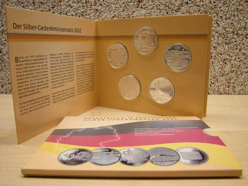 Lieferumfang:Deutschland : 50 Euro 5x 10 Euro - Ausgaben aus Deutschland des Jahres 2002 (Währungsunion, U-Bahn, Documenta, Museumsinsel, Fernsehen)  2002 PP