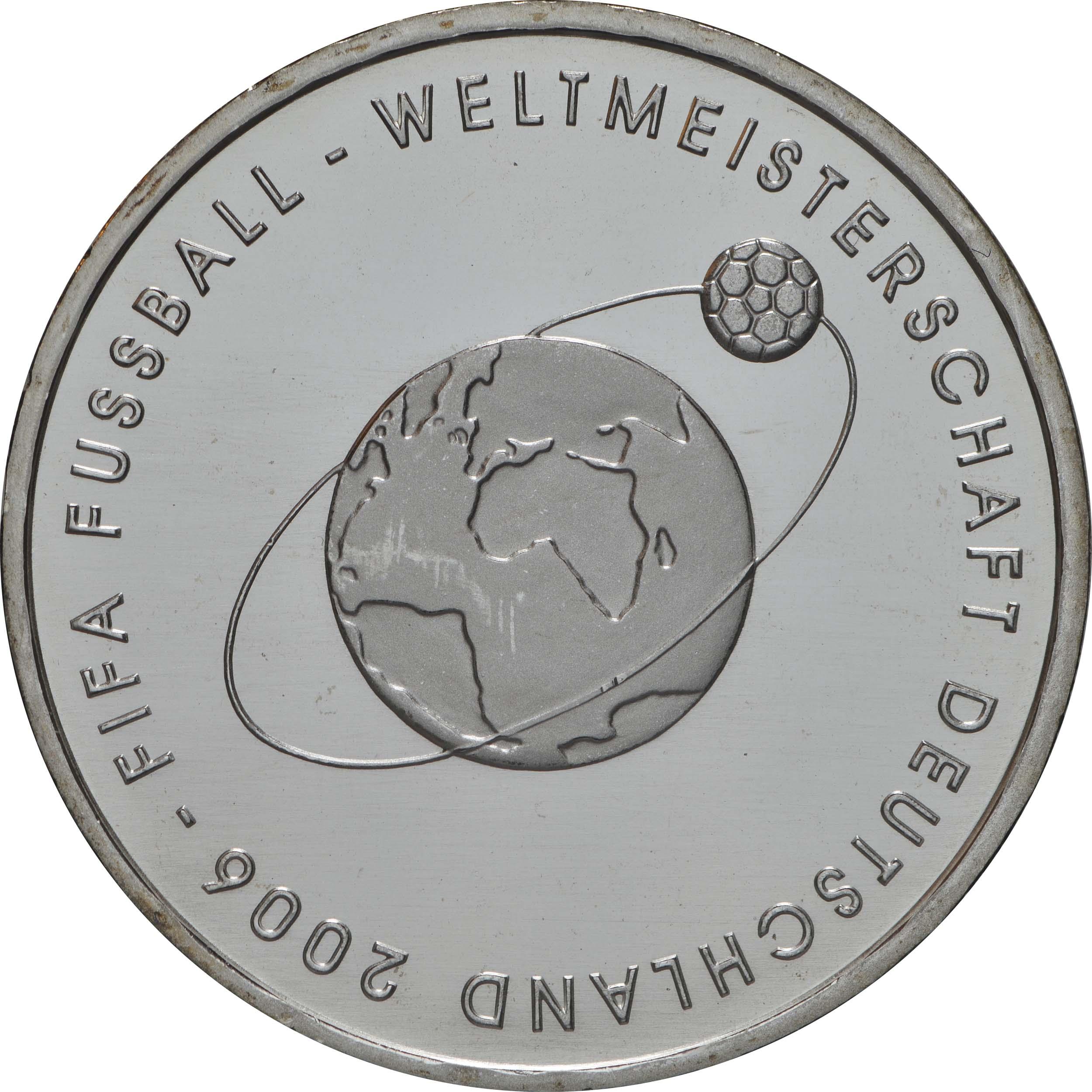 Vorderseite:Deutschland : 10 Euro II. Ausgabe FIFA Fußball WM Deutschland  2006 Buchstabe unserer Wahl  2004 bfr
