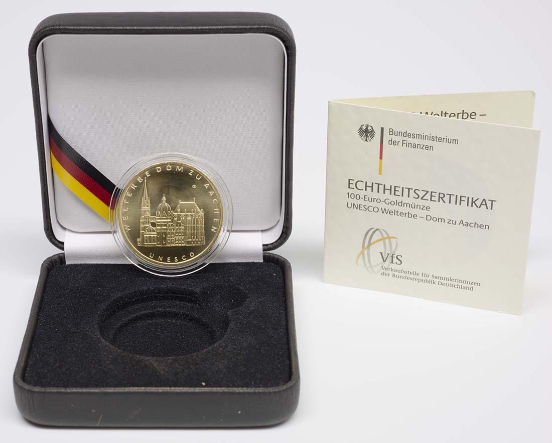 Lieferumfang :Deutschland : 100 Euro Aachener Dom Buchstabe unserer Wahl  2012 Stgl.