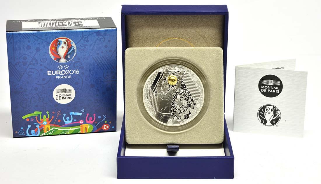 Lieferumfang:Frankreich : 10 Euro Torwart - plastisch teilvergoldet  2016 PP