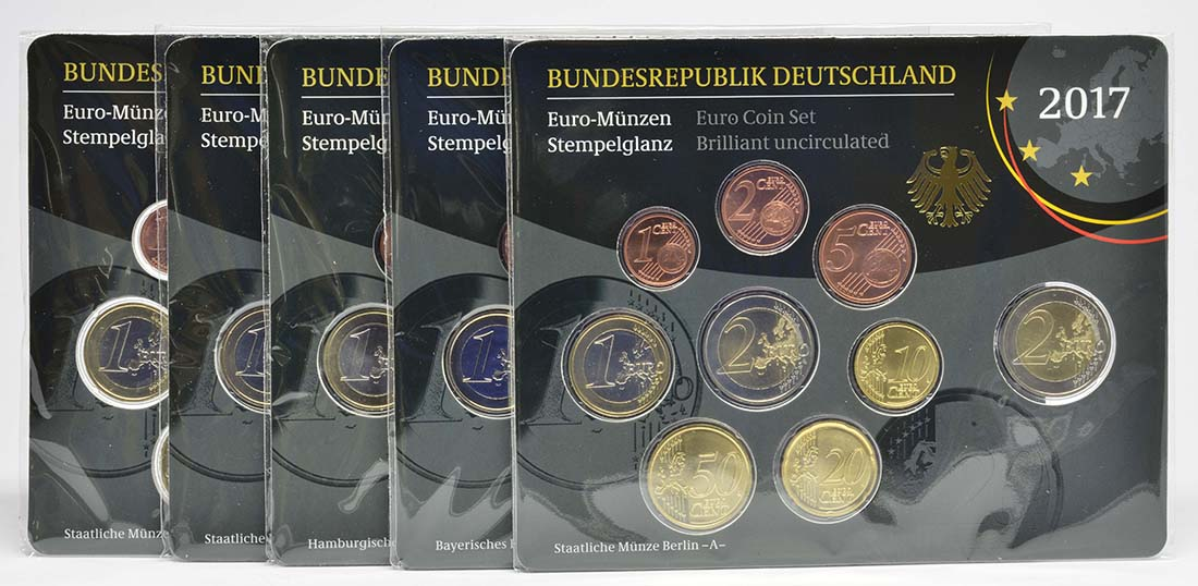 Lieferumfang:Deutschland : 29,4 Euro KMS Deutschland mit zusätzlicher 5 x 2 Euro Gedenkmünze komplett A-J  2017 Stgl.