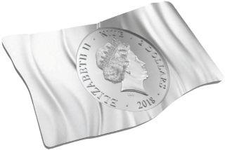 Vorderseite:Niue : 2 Dollar Australiens wehende Flagge  2018 P/L