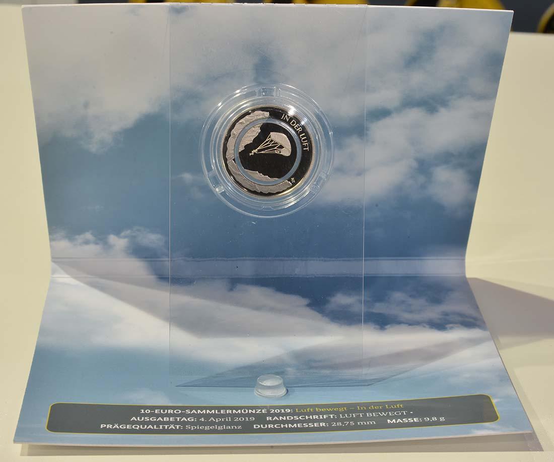 Zertifikat:Deutschland : 10 Euro In der Luft - Buchstabe unserer Wahl  2019 PP