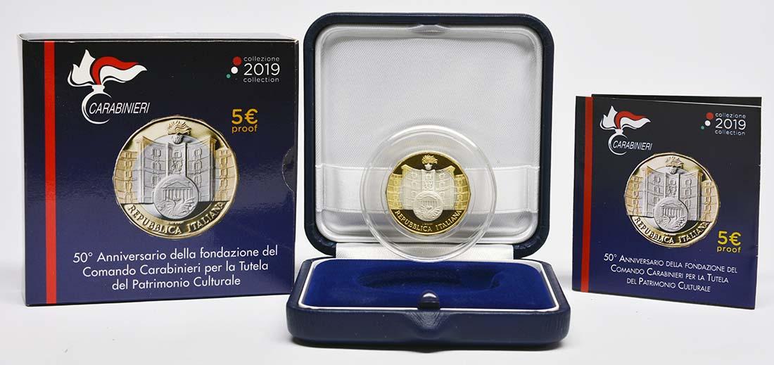 Lieferumfang:Italien : 5 Euro 50. Jahrestag der Gründung der Carabinieri-Abteilung zum Schutz des Kulturerbes  2019 PP