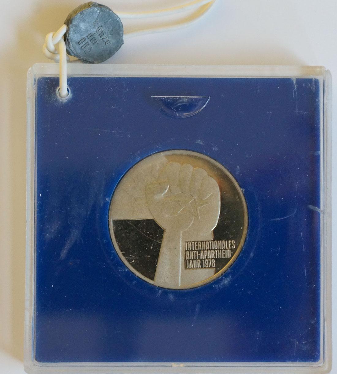 Vorderseite:DDR : 5 Mark Antiapartheid  1978 PP