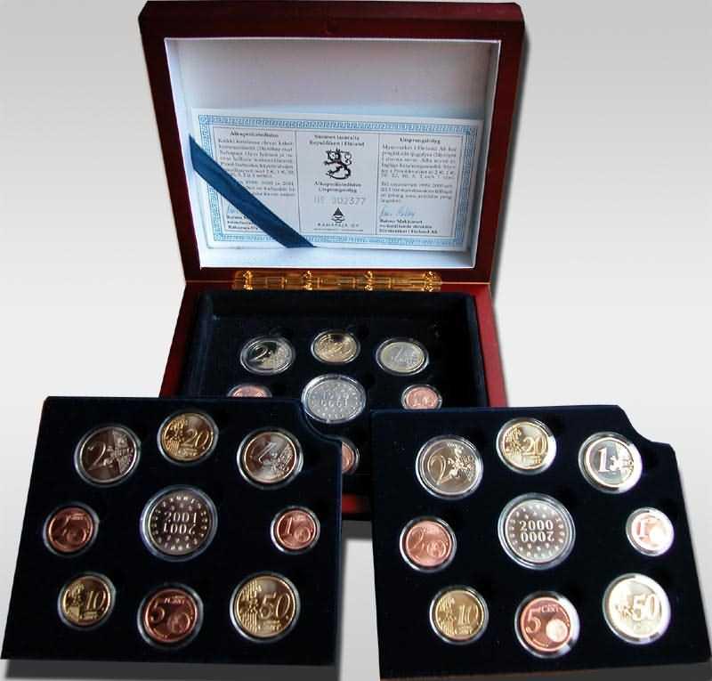 Lieferumfang:Finnland : 11,64 Euro original Kursmünzensatz der finnischen Münze (Triple-Set) als komplettes Set der Jahre 1999-2001 , inkl. Originalholzkassette und Zertifikat   PP KMS Finnland Triple PP;KMS Finnland 1999;KMS Finnland 2000;KMS Finnland 2001