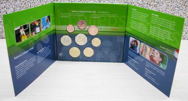 Lieferumfang:Niederlande : 3,88 Euro KMS Niederlande gute Taten Satz  2003 Stgl. KMS Niederlande 2003