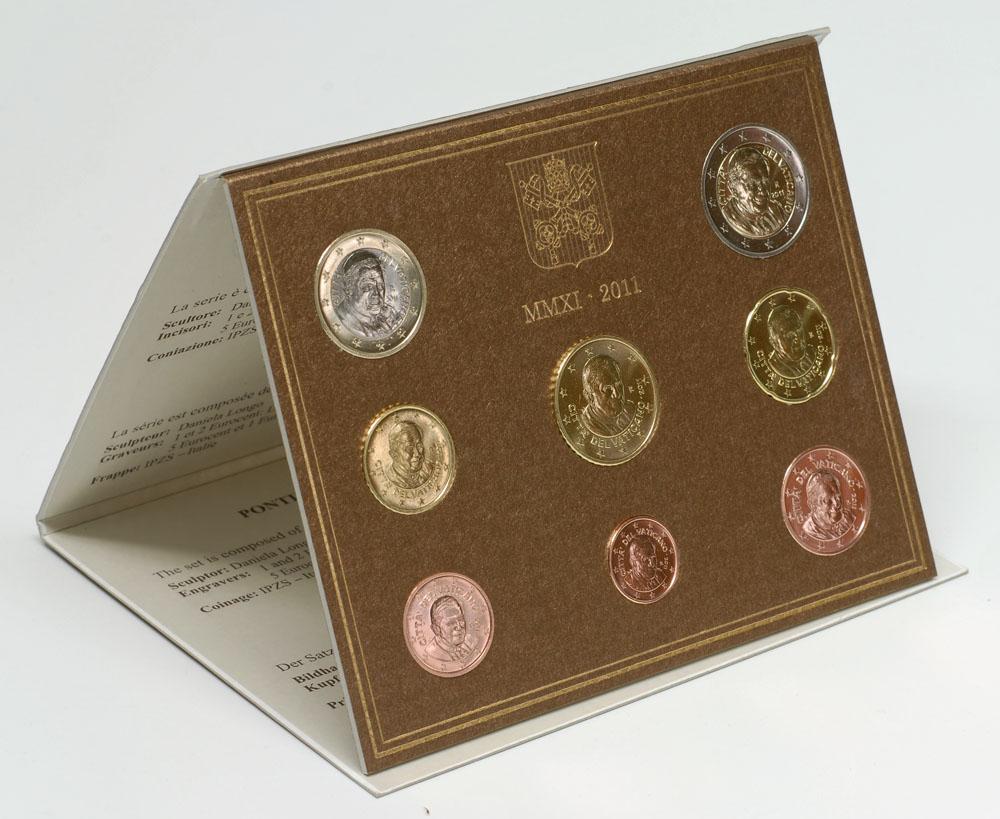 Lieferumfang:Vatikan : 3,88 Euro original Kursmünzensatz aus dem Vatikan  2011 Stgl. KMS Vatikan 2011 Stgl. / BU