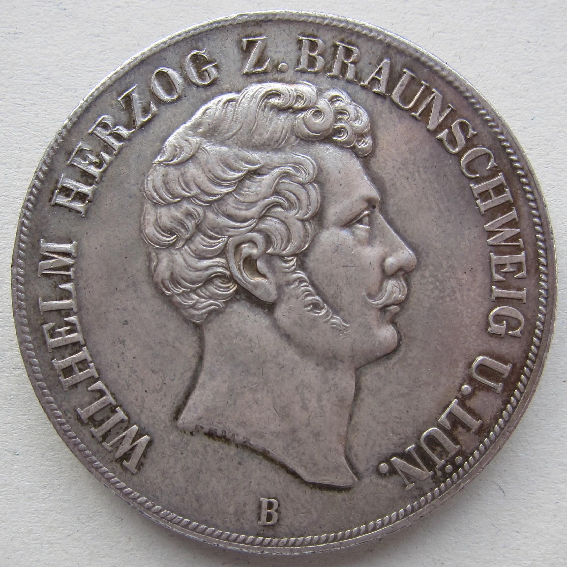 Braunschweig AKS 73 1855 Doppeltaler Av.jpg
