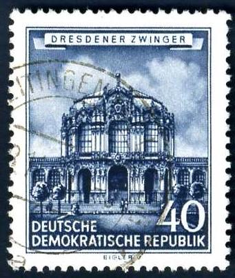DE 235 1955 Dresdner Zwinger.jpg