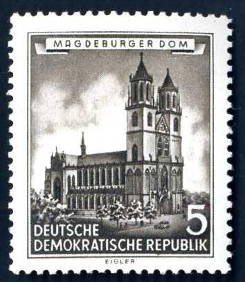 DE 400 DDR 1955 Magedburger Dom.jpg