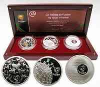Portugal : 24 Euro I. Ausgabe 3 x 8 Euro zur Fußball EM Portugal 2004  im Originaletui mit Zertifikat  2003 PP