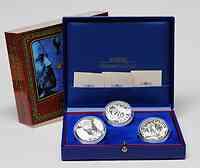 Frankreich : 4,5 Euro Set aus 3 x 1,5 Euro 20000 Meilen unter dem Meer, in 80 Tagen um die Welt, von der Erde zum Mond in Originalgesamtkassette mit Zertifikaten  2005 PP