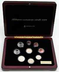 Finnland : 3,88 Euro original Kursmünzensatz der finnischen Münze + Goldmedaille (8,6 Gramm 900er Gold) in einer hochwertigen Holz-Kassette mit Magnetverschluß und durchnummeriertem Metallschild - Auflage nur 8000 Stück - inklusive Zertifikat  2002 PP