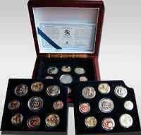 Finnland : 11,64 Euro original Kursmünzensatz der finnischen Münze (Triple-Set) als komplettes Set der Jahre 1999-2001 , inkl. Originalholzkassette und Zertifikat PP