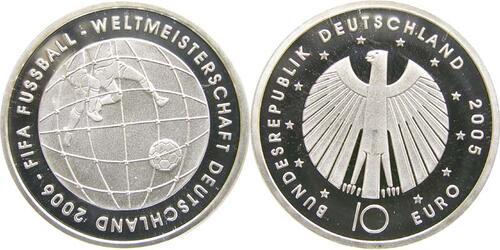 Lieferumfang:Deutschland : 10 Euro III. Ausgabe FIFA Fußball WM Deutschland 2006 in Originalkapsel  2005 PP