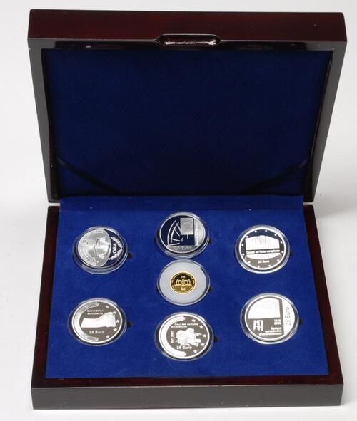 Lieferumfang:Luxemburg : 155 Euro Zentralbank-Set 6x25 Euro Silber + 1x5 Euro Gold -selten- 2008 PP