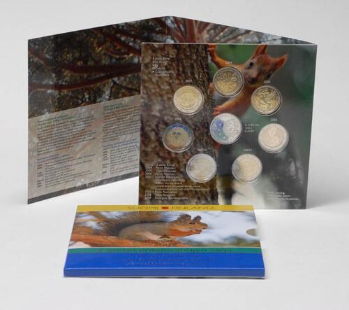 Lieferumfang:Finnland : 2 Euro Set aus allen sieben 2 Euro Gedenkmünzen aus Finnland von 2004-2009 und einer Medaille  2009 Stgl.