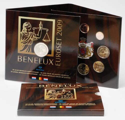 Lieferumfang:Belgien : 11,64 Euro original KMS Benelux, enthält alle Euro-Kursmünzen der Länder Belgien, Niederlande, Luxemburg + Medaille  2009 Stgl. KMS Benelux 2009