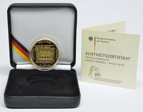 Lieferumfang:Deutschland : 100 Euro Kloster Lorsch 1250. Gründungsjubiläum Buchstabe unserer Wahl  2014 Stgl.