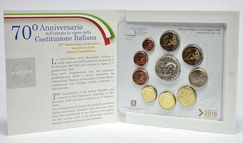 Lieferumfang:Italien : 10,88 Euro KMS Italien incl. 2 Euro und 5 Euro Verfassung  2018 Stgl.