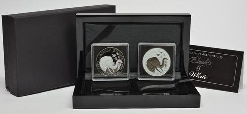 Lieferumfang :Somalia : 200 Schilling 2 x100 Schilling Elefant - Farbset - Black & White  2018 Stgl.