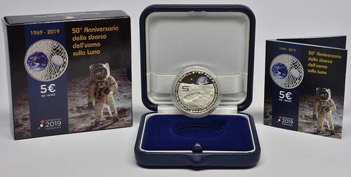 Lieferumfang:Italien : 5 Euro 50. Jahrestag der Landung auf dem Mond - coloriert  2019 PP