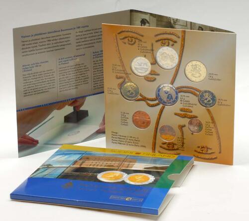 """Lieferumfang:Finnland : 5,88 Euro original Kursmünzensatz der finnischen Münze II. """"Wahlrecht"""" mit 2 Euro Gedenkmünze !  2006 Stgl. KMS Finnland 2006"""