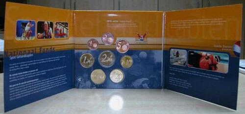 Lieferumfang:Niederlande : 3,88 Euro KMS Niederlande gute Taten Satz  2001 Stgl. KMS Niederlande 2001