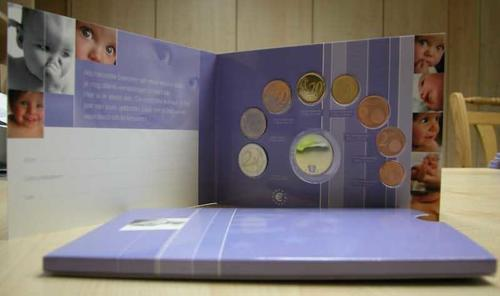 Lieferumfang:Niederlande : 3,88 Euro original KMS Baby der niederländischen Münze + Medaille  2002 bfr