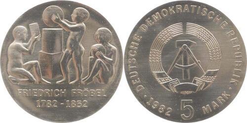 Lieferumfang:DDR : 5 Mark Friedrich Wilhelm August Fröbel  1982 Stgl.