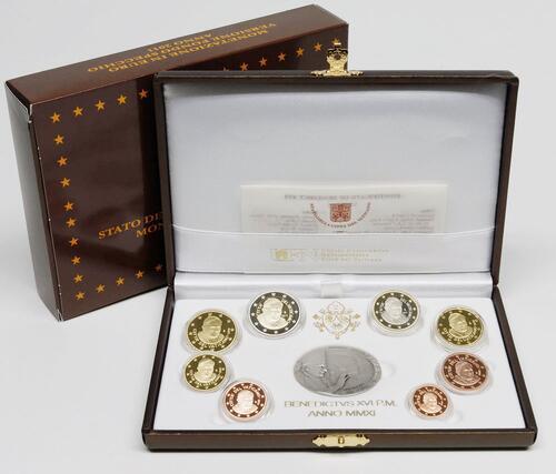 Lieferumfang:Vatikan : 3,88 Euro original Kursmünzensatz aus dem Vatikan mit Silbermedaille  2011 PP KMS Vatikan 2011 PP
